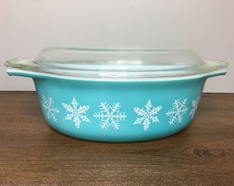 Vintage Pyrex Turquoise Snowflake 043 Casserole with Lid