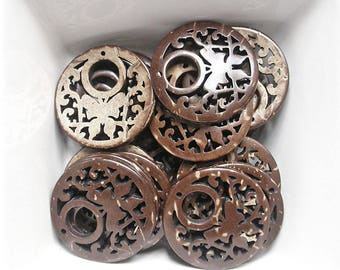 2 pendants openwork and 26mm coconut wood