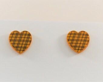 Crosshatch Heart Stud Earrings