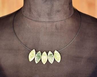 "Ceramic-Necklace ""wild wine"" green-tones"