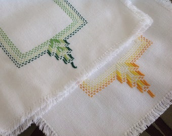 Dainty Duo Huck Embroidered Tea Towels