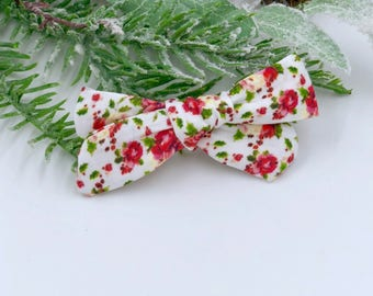 Baby Girl hand tied Bow - Nylon Headbands - Hair clip - Infant / Toddler /  Fabric Hair Bows / Clips - white floral