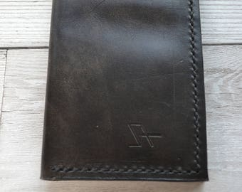 Leather Credit Card Holder / Hand stitched bifold leather wallet. Hand made in London