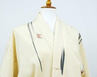 Vintage Silk Kimono Robe - Women's Clothing/silk robe/cream robe/kimono jacket/dressing gown/boho kimono/coverup/cream bathrobe/floral robe