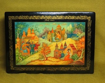 Vintage USSR Russian lacquer box Mstera Hand Painted
