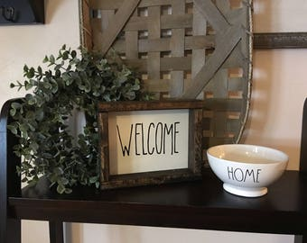 Welcome Reclaimed Wood Boxwood Frame Shiplap Sign