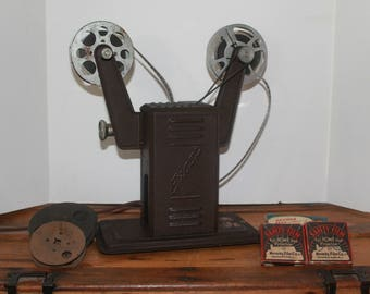Vintage Movie Projector, Vintage Movie Projector With 4 Movies