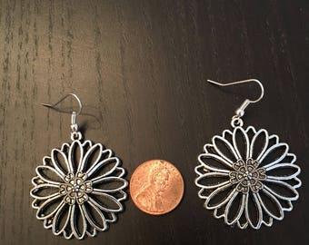 Silver flower sunflower daisy earrings