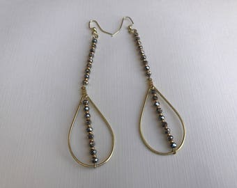 gold earring,gold beaded earring,long earring,pierced earring,drop earring,dangle earring,earrring