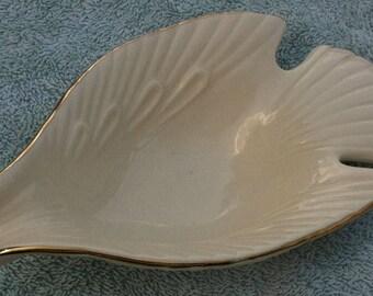 Shiah Yih bird (falcon) pourer
