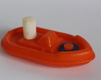 Toy swallow boat