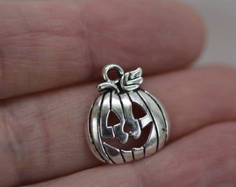 Silver Pumpkin Charm, Jack o 'Lantern Charm, Halloween Charm, Smiling Pumpkin Charm, 6 pieces or 12 pieces of Pumpkin Charm