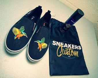 Hummingbird airwalk sneakers