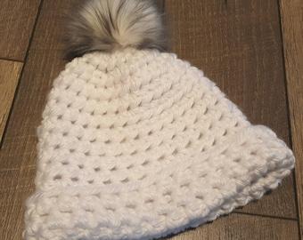 Hat, Chunky hat, Winter hat, Beanie, Women's hat, Knit hat, Crochet hat, White hat, Pom Hat, Fur Pom, Ready to ship