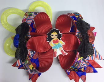 DC Superhero Girls/Wonder Woman deluxe stacked boutique bow