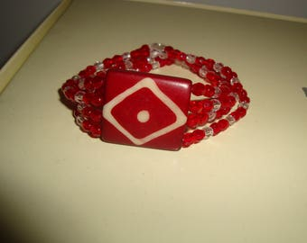 Pearl bracelet facet red and clear