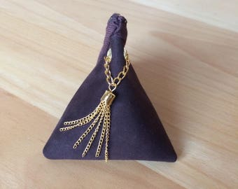 Little triangle suede purse Brown.