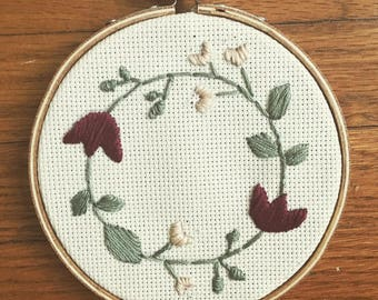 Flower embroidery, 4in embroidery hoop, home decor