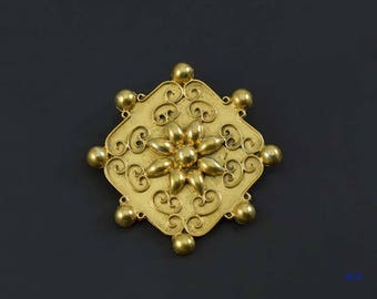 Beautiful Vintage Gilt Sterling Silver Flower Pin