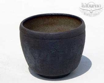 Yunomi, tea cup, black stoneware by KaouennCeramics