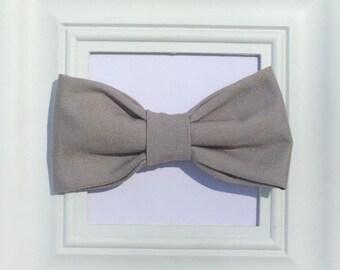 Grey bow tie, baby bowtie, Gray bow tie, bow tie onesie, boys bow tie, newborn bow tie, baby bowtie, baby boy bow tie, baby clip on bow