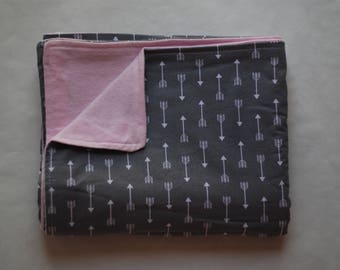 Gray and White Arrow Baby Blanket Pink Flannel Woodland Girl Bedding Baby Shower Gift Modern Baby Quilt Crib Bedding Receiving Blanket