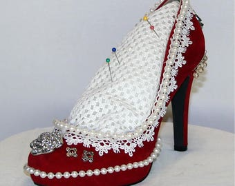Pin cushion shoe. Functional