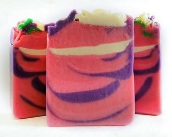 Black raspberry goat's milk cold process soap, moisturizing floral piped soap,  girl small gift, teacher gift for her, spring bar soap, pink