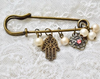 Baby brooch , women broosh, hamsa , hamsa brooch, baby pin, baby bedroom