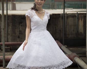 Retro feel V shape neckline lace wedding dress with for custom size and color