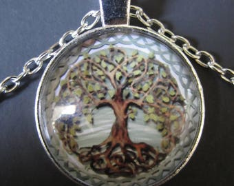 """Living Tree of Life Glass Pendant on 9"""" Necklace"""