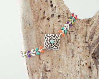 CLEARANCE Bracelet in silver plated chain and Spike stitch enameled multicolored (BREP01AG)
