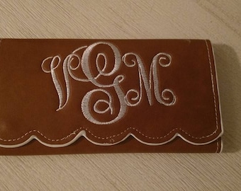 Womens monogramed personalized wallet