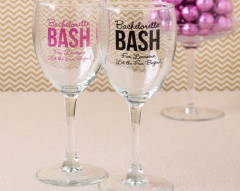10 personalized wine glasses Bachelorette or Wedding party glass favors
