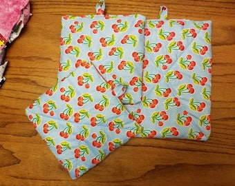 Set of 3 pot holders (cherries)