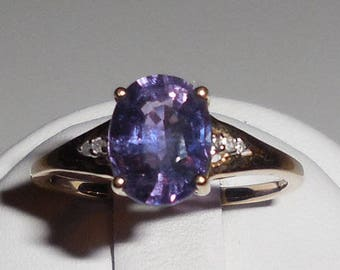 2.27 Carat Umba Purple to Blue Color Change Sapphire & Diamond 10k Yellow Gold Ring