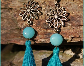 """Amazon flower"" and its tassel earrings"