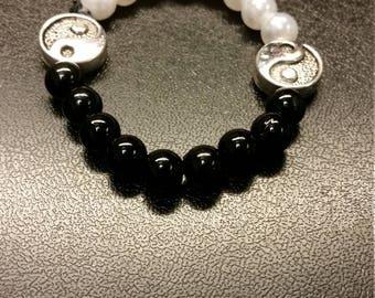 Yin/Yang beaded bracelet