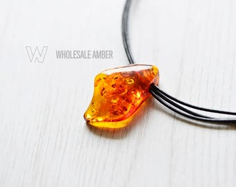 Amber necklace for adults. Baltic amber necklace with pendant. Pendant necklace. Leather with amber. MS09