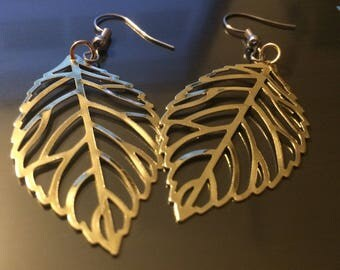 Gold Leaf Earrings (2'in)