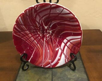 Beautiful fractured glass bowl