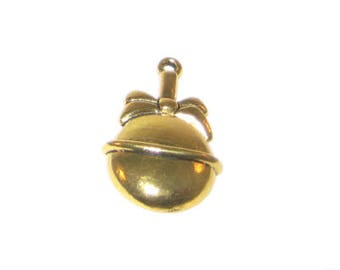 20 x 32mm Gold Bell Metal Pendant