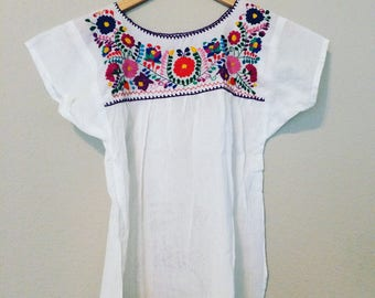 S-M Mexican Embroidered Floral Blouse