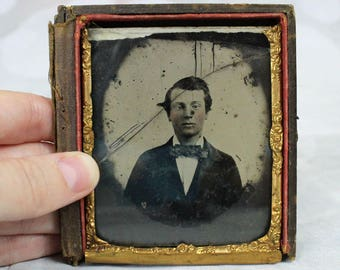 Rough Cond 1850s Ambrotype Portrait Young Man 1/6 Plate Glass Broken No Matte