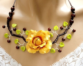 Ochre yellow wavy pink chunky necklace