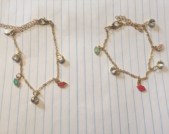 NEW Cute small delicate jewel lip charm bracelet