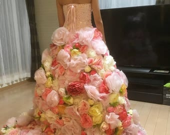 Wedding dress covered with plenty of flowers