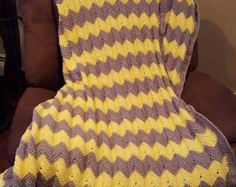 Full size chevron crochet blanket