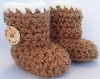 Handcrafted UGG inspired baby booties with complimentary gift box and personalised gift tag by Bubba Booties Boutique