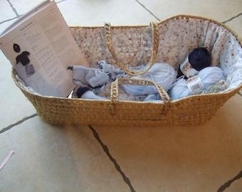 Basket for storing knitting